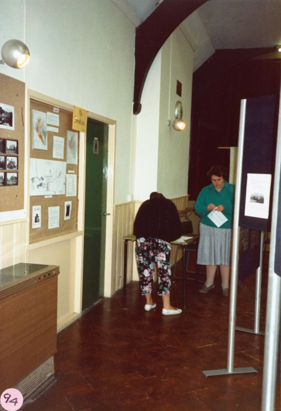 11 October 1986: Exhibition: Bartons in the 1920s. Anne Martin, Mary Page.