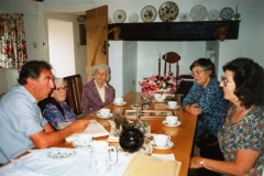August 1991 Yew Tree Cottage, Ledwell. Royston Scroggs, Ruth Kirby, Dorothy Bolton, Kay Davies, Mary Jones.