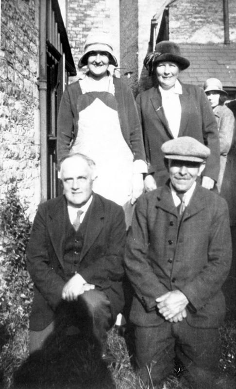 1930s At the chapel in Chipping Norton. Back: Gladys Hudson, Mrs. Townsend, Ada Longford. Front: George Kirby, William Langford.
