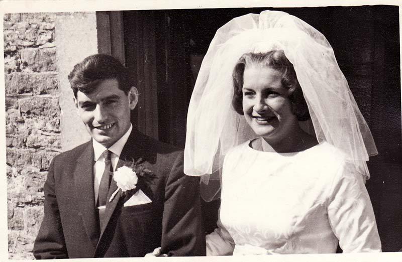 29 August 1964 Wedding of Deanna Stewart and Derek Gardner, outside the Methodist Chapel.