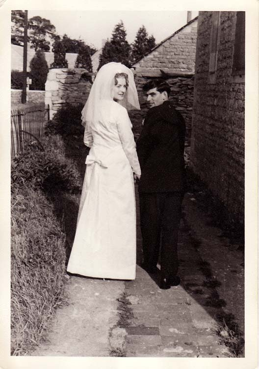 29 August 1964 Wedding of Deanna Stewart and Derek Gardner, outside the Alice Marshall Hall.