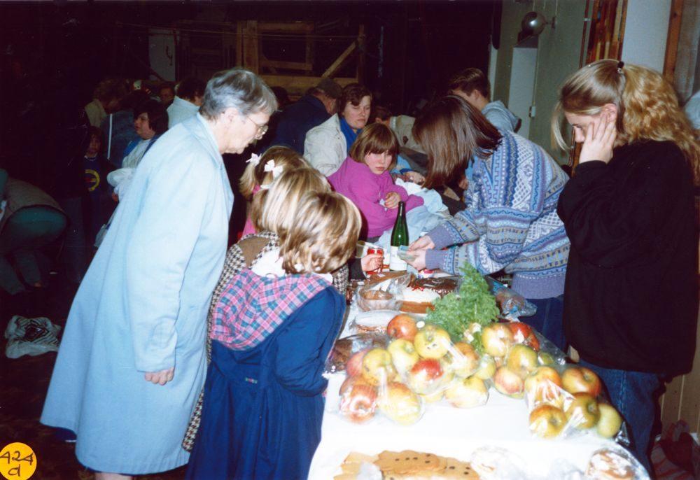 November 1989 Dorn Valley Venture Unit Jumble Sale. Carolyn Gross on far right.