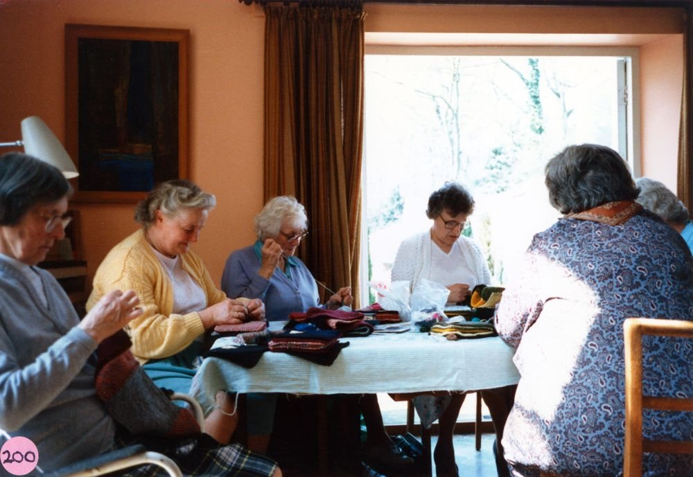 23 April 1987 Sewing squares for Oxfam blankets. L to R: Dorothy Smith, Hilary Bassett, Margaret Hazell, Marion Pettengel and Bubbles Pratley.