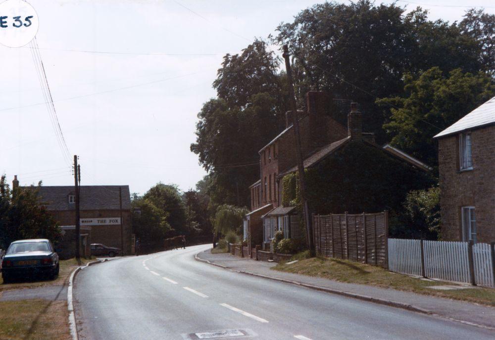 January 1989 The Fox, Enstone Road.