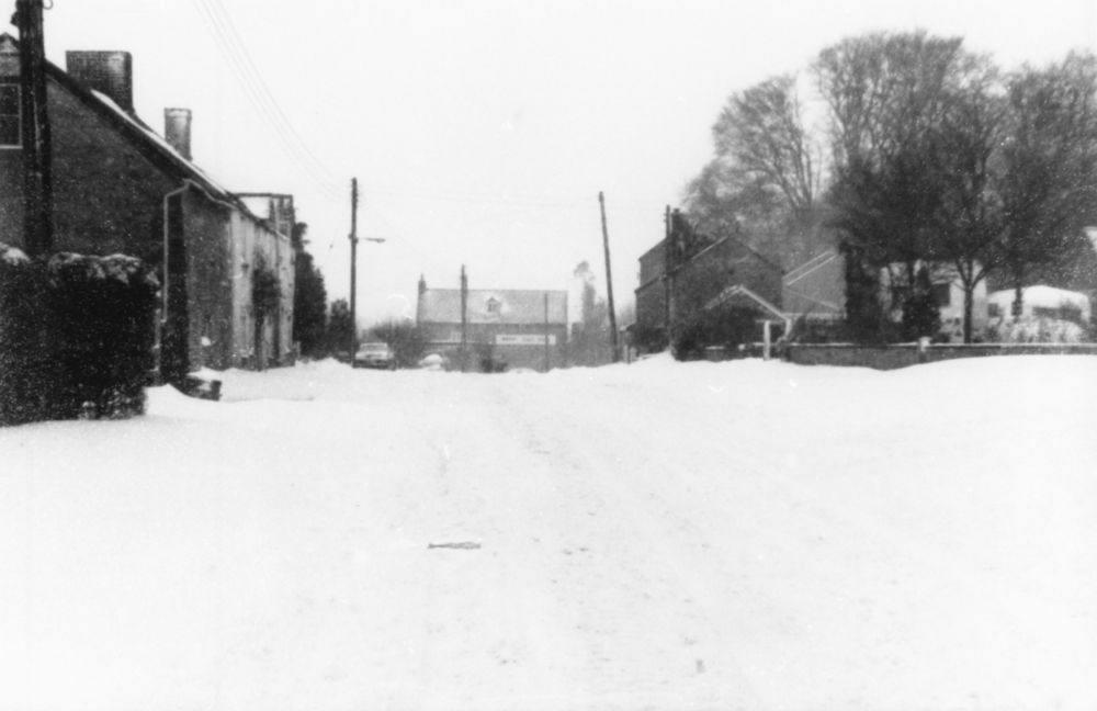 c. 1980 Enstone Road looking towards The Fox.
