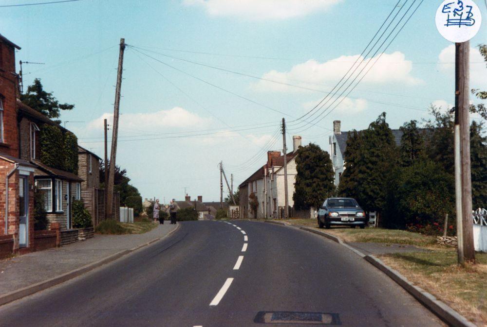 1985 Enstone Road looking east.