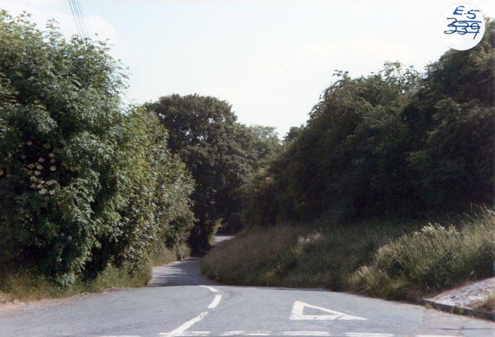 1985 A4030 Kiddington Road / Worton Road crossroads.