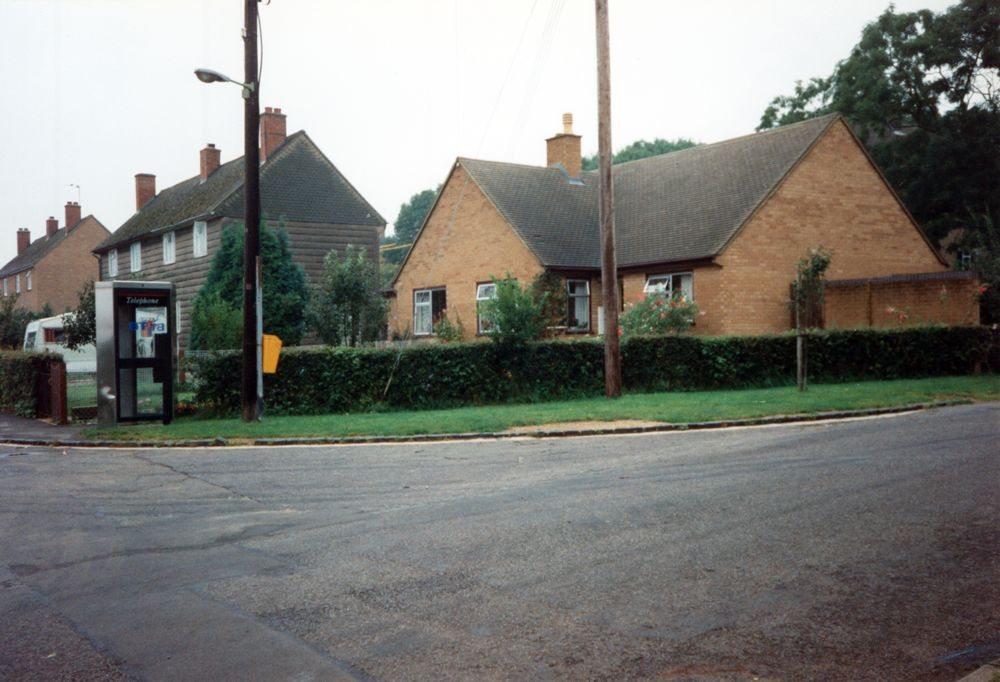 September 1992 2a 2b Hillside Road bungalows.