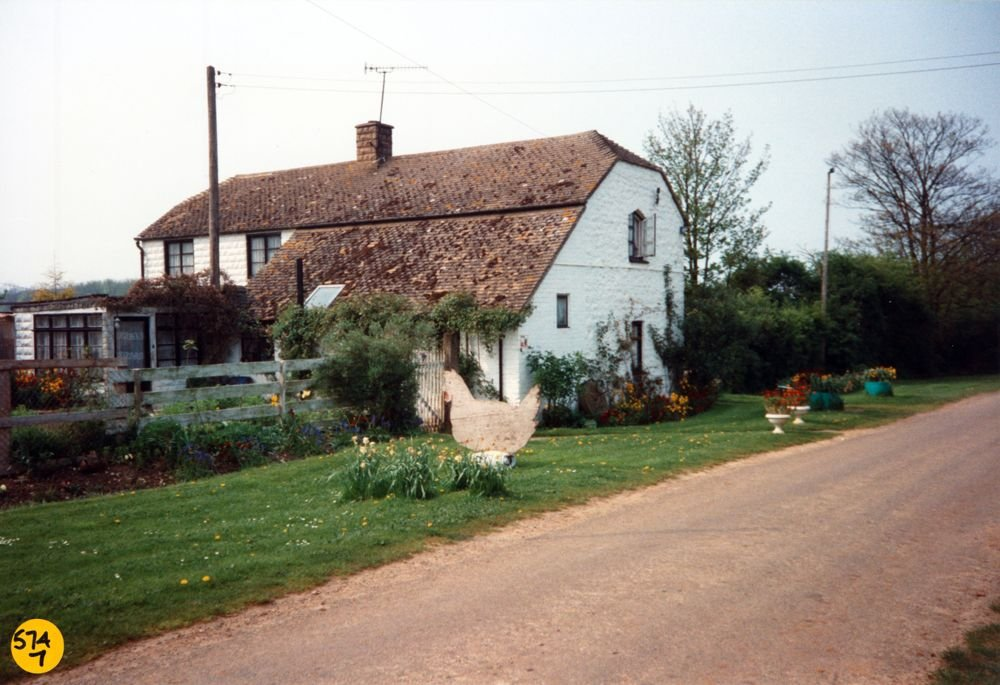 Heath Farm Cottage, Worton Road.