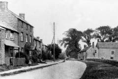 1920s Enstone Road. Left foreground: workshops of the Castle family. Right: 11 - 15.