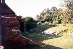 October 1986 21 Worton Road. Garden.