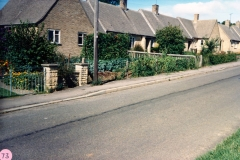 Worton Road bungalows 4s -.