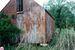 1987 Hollier's Barn. Staddle stones made of concrete.