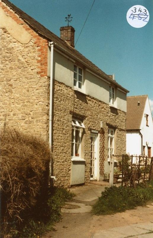 1984 Quaker Cottage, 2 Jacob's Yard.