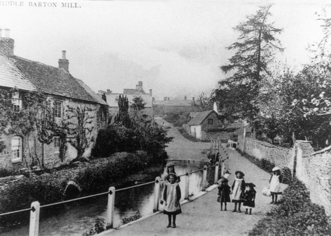 c. 1910 Mill Lane.