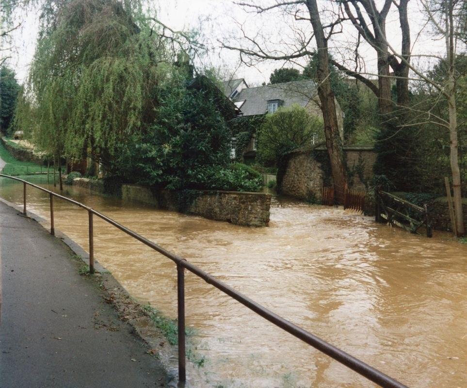 9 April 1998 Mill Lane ford flood. Panorama.