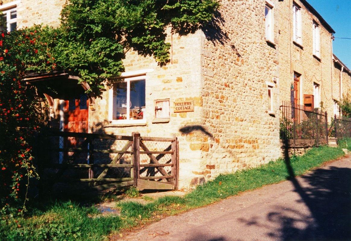 1994 4 Mill Lane.