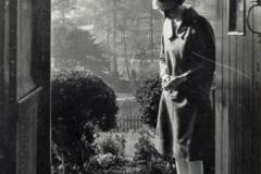 1920s 5 Jacob's Yard. Marjorie Hahn (later Mrs Burston) in the doorway.