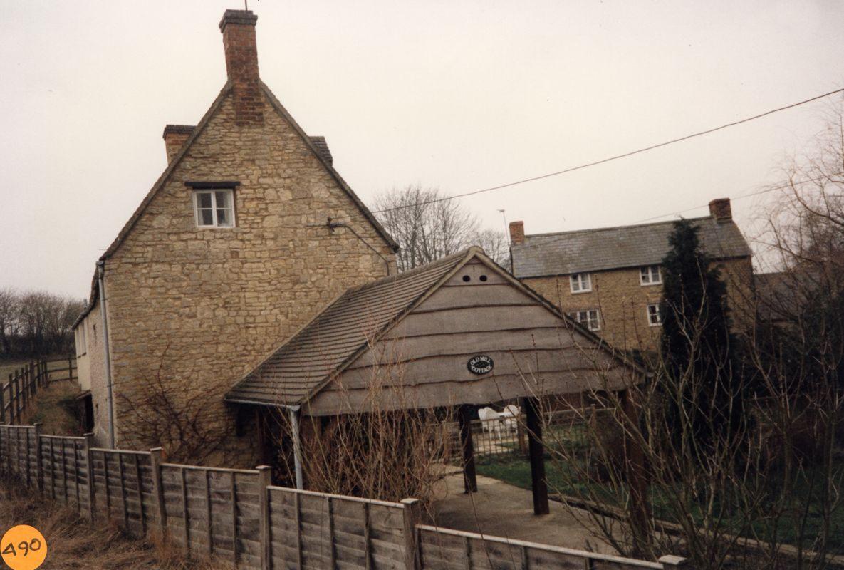 1991 Old Mill Cottage, Fox Lane.