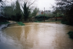 9 April 1998 Ford flood. Photographed by Joan Nuttall.