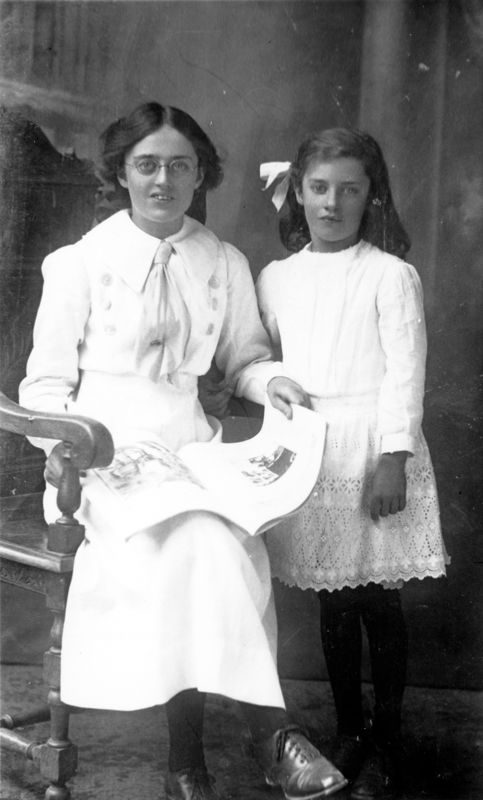 Winifred Ann Kirby (later Humpries) and Mona Alice May Kirby.
