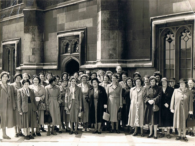 1950s Mothers' Union visit to the Houses of Parliament. Identification needed.