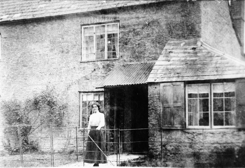 c. 1913 1 North Street. Easter Stockford(?)