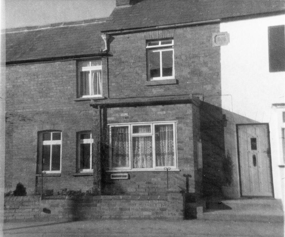 1977 21/23 North Street.
