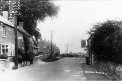 c. 1930 21/23 North Street and the Three Horseshoes.