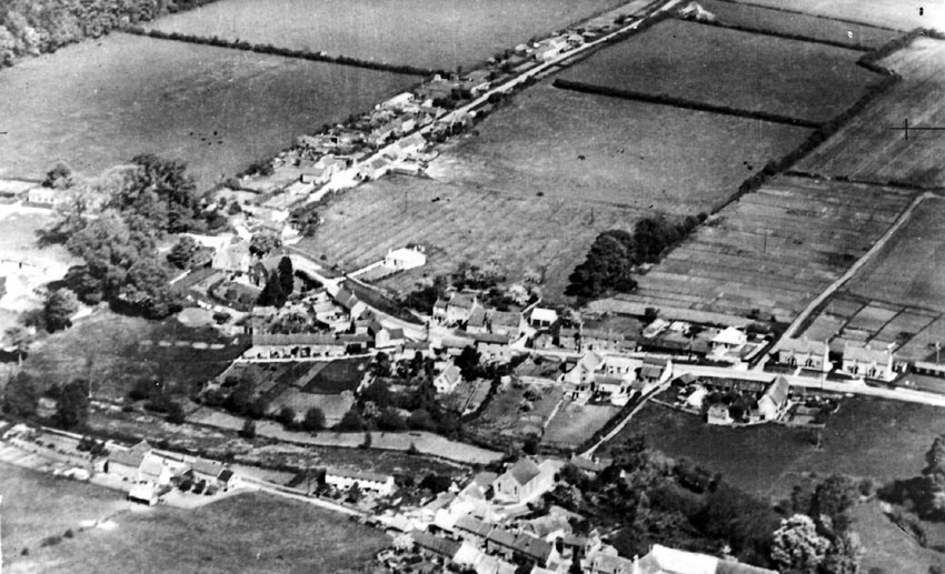 1935. Aerial view of the central part of North Street.