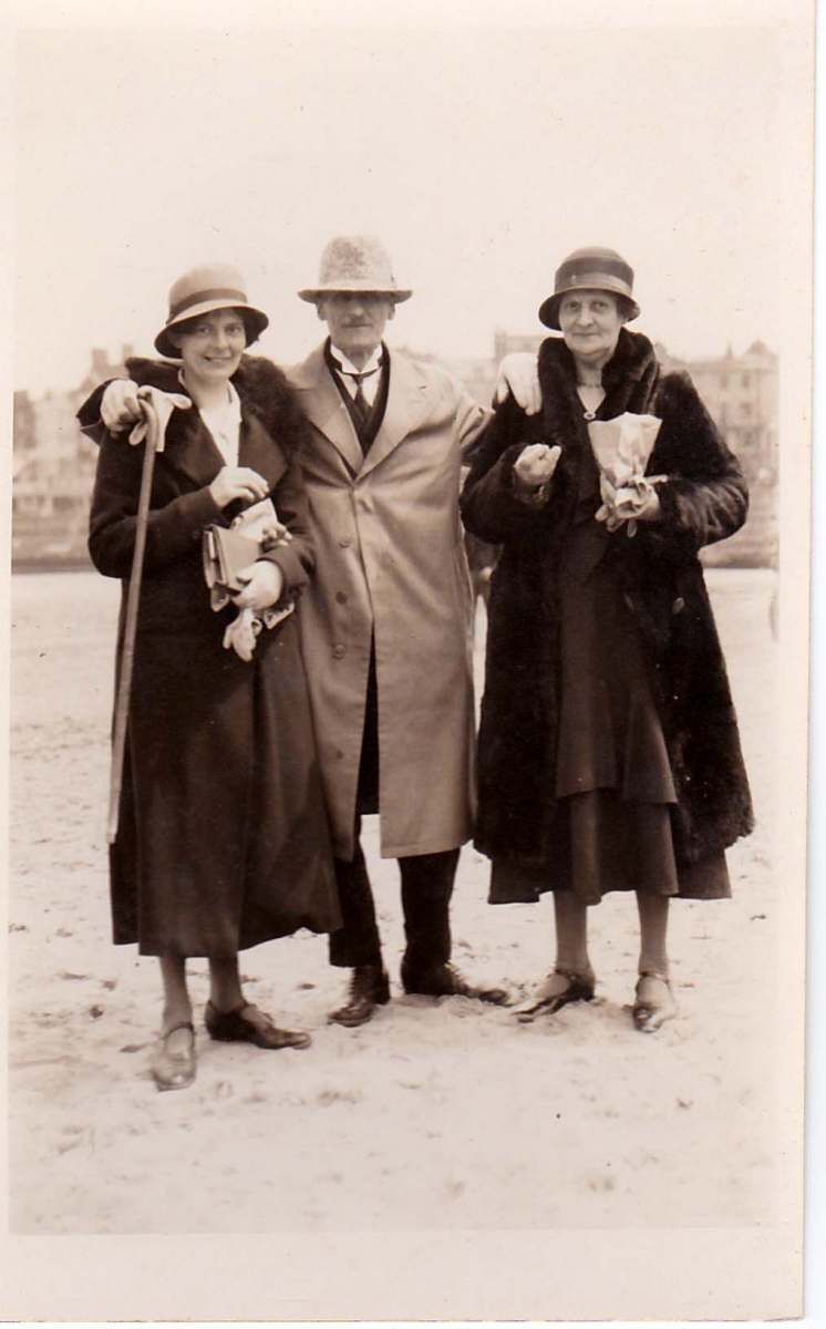 c. 1920. Florence Farley with her parents, Harry and Dorcas Ann (Annie).