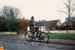 December 1988 Ted Butler - the knife grinder outside 10 and 12 Enstone Road.