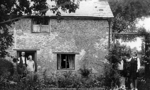 c. 1930 Wyatts and Violet.