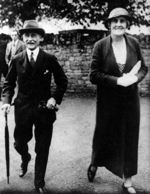 1930s Colonel and Mrs S J Jervis.