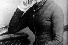 Believed to be Sarah Luing who married Alfred Preedy.
