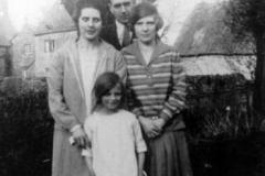 c. 1930 Nell Stockford, Jim and Rachel Wannan, Bubbles.