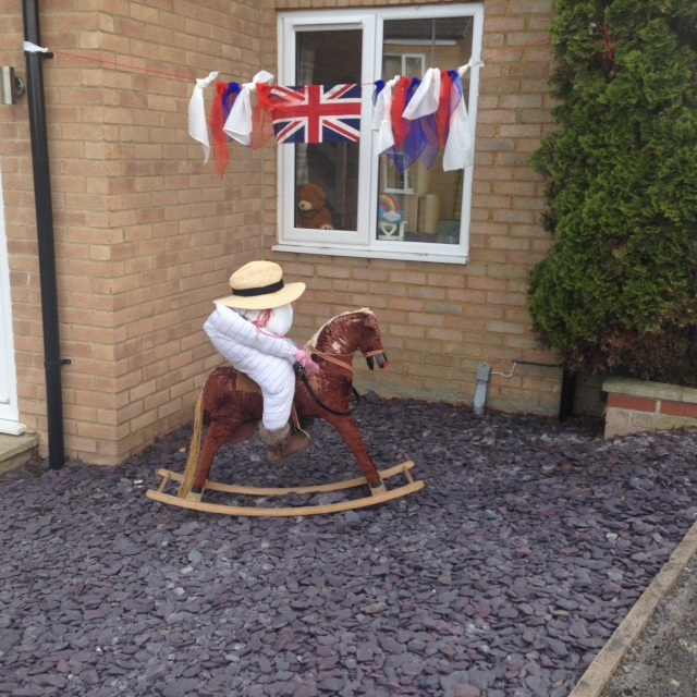Scarecrow-Holliers-Crescent-2