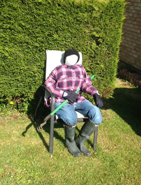 Scarecrow-Holliers-Crescent-5