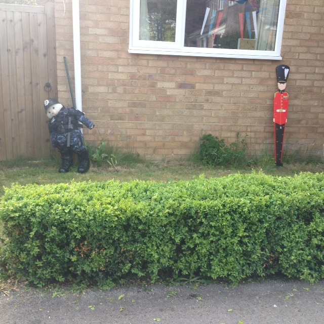Scarecrow-Officers-Holliers-Crescent