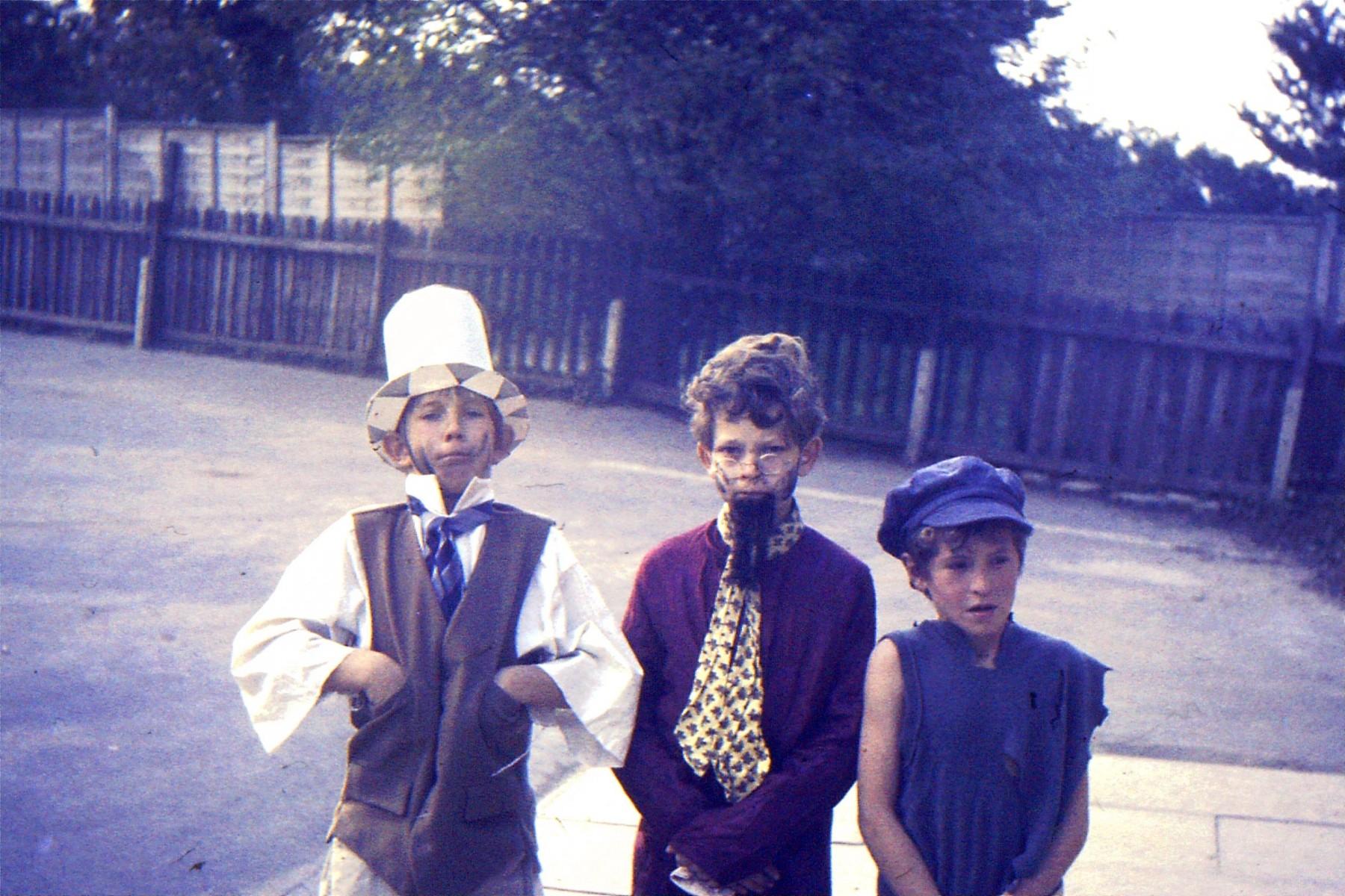 1966-69 Middle Barton School - pupils unkown.