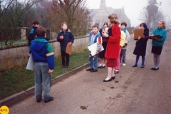 March 1989 Mrs Judith Cook with some of her class (6) starting out to make a survey of houses near the school.