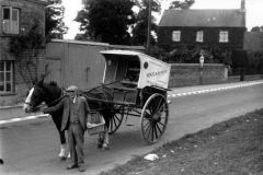 1940s Mark Stockford with Kitty the mare (17 North Street).