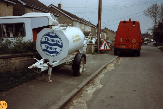 1997 Laying water pipes. South Street.