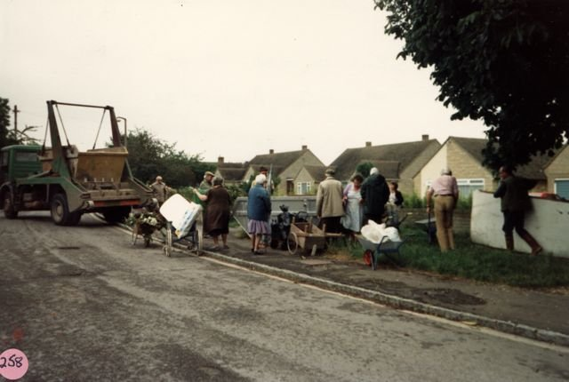 August 1987. Skip arrived at 11:55am in Woodway Road.