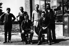 c. 1936 Hopcrofts Holt Garage. George Kirby, Archie Price, Fred Price, Jack Smith (from Steeple Aston). Seated: Harold Crowther, ANO.