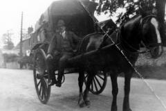 1930s Mark Stockford senior and baker's cart. North Street 21/23.
