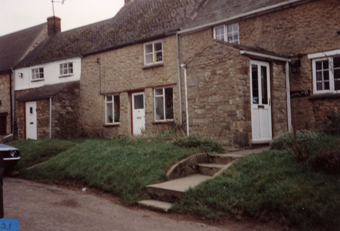 March 1989 42, 44, 46 South Street. Survey by pupils of Middle Barton school.