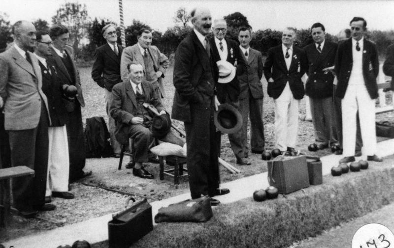 Tom Cattle, ?, ?, KenCastle, ?, Callow, ?, Jesse Stewart. Gilbert Newman (seated), Major Fleming (front).