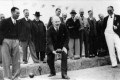 Bill Stewart, Val Gardner, Bob Jarvis, Reverend W. Griffiths, Walter Moulder, Frank Gascoigne, Sid Cox, ?, Arthur Perkins, Jesse Stewart. Major Fleming (front).