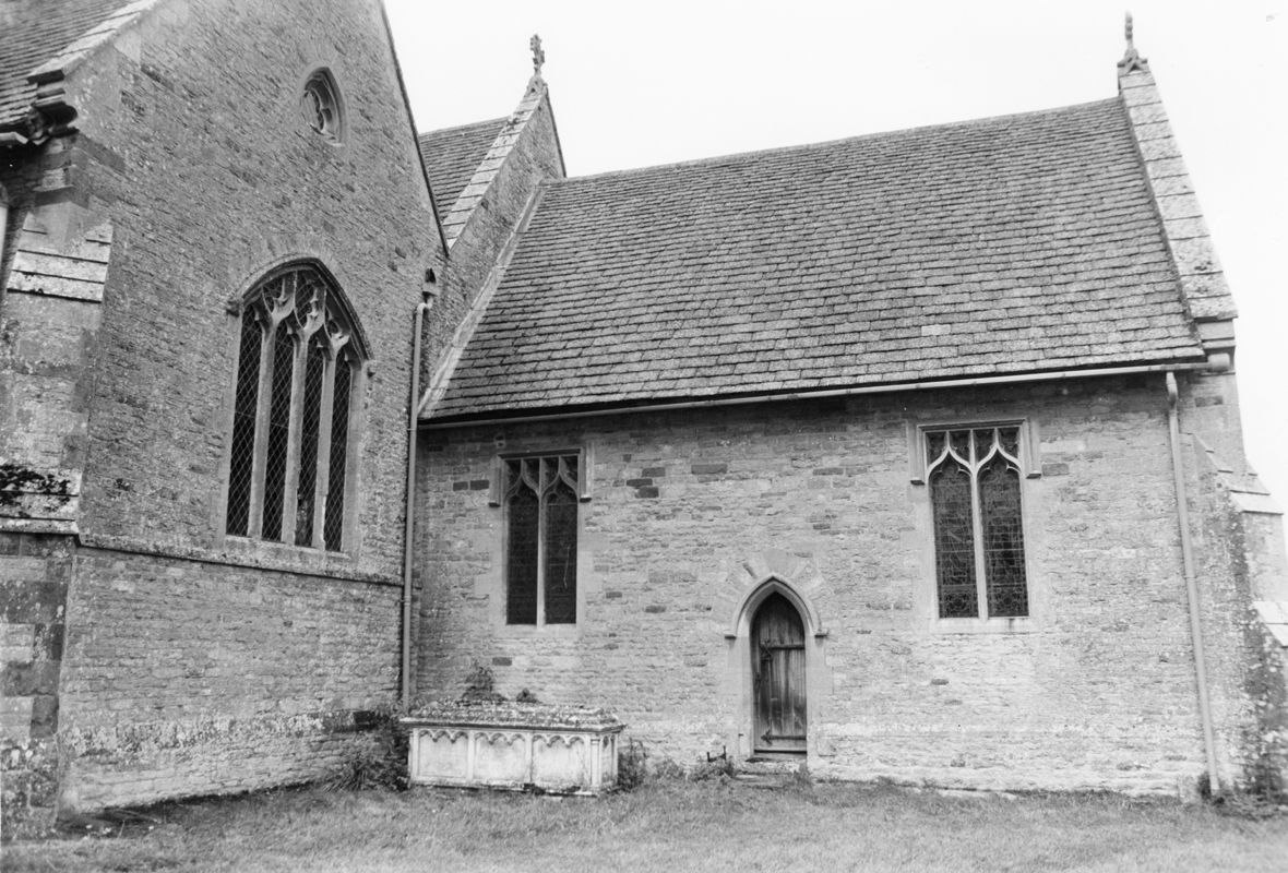 September 1988 South view showing tomb of Elizabeth and Henry Hall (JM).